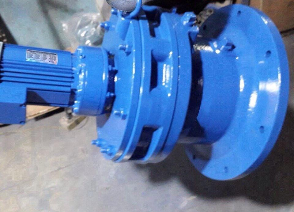 Horizontal reduction gear for electric motor